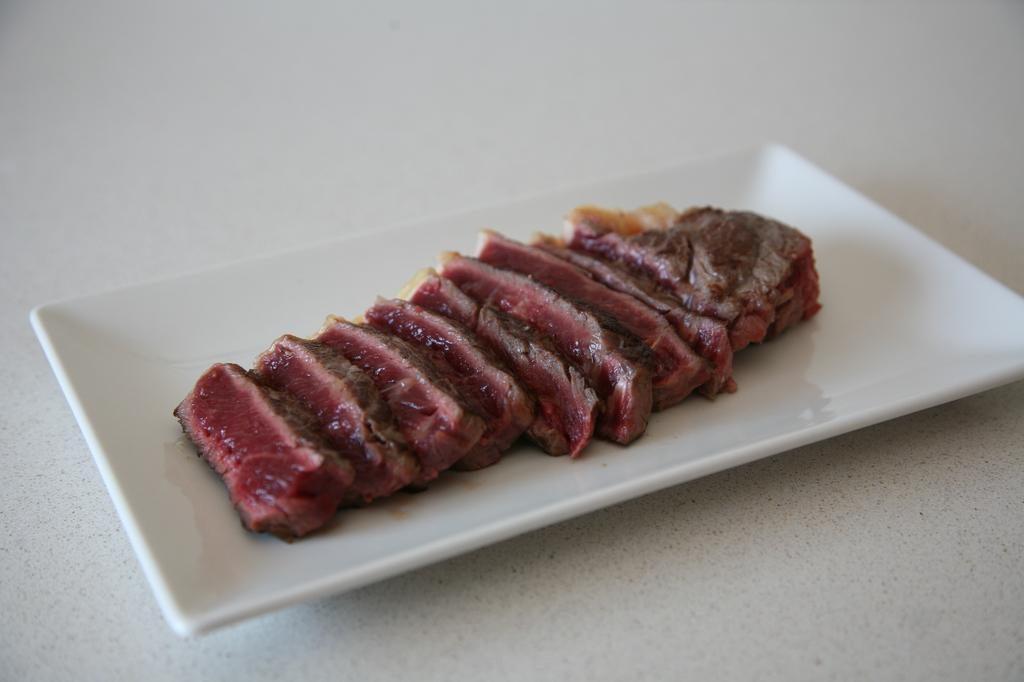 Comment-preparer-la-viande-a-la-pierre-a-la-maison-pierre-a-griller-2